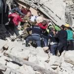 73 le vittime accertate ad Amatrice e la terra trema ancora ad Arquata e Pescara del Tronto