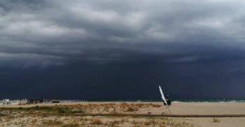 Meteo, caldo e afa fanno spazio a temporali e forti venti